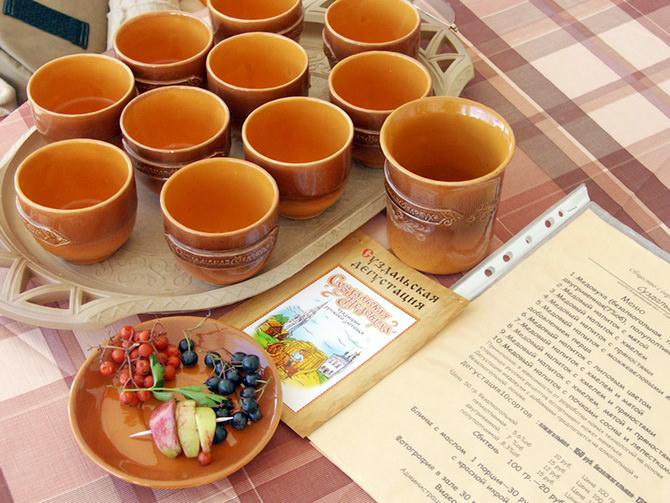 Как пьют и чем закусывают медовуху