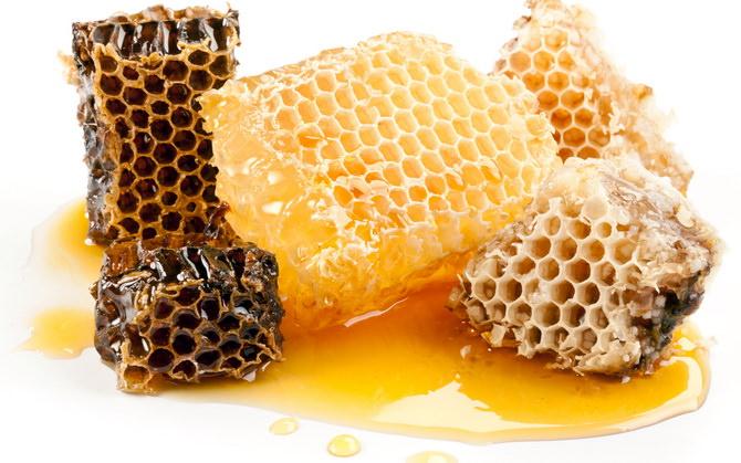 Медовуха из старого меда в сотах