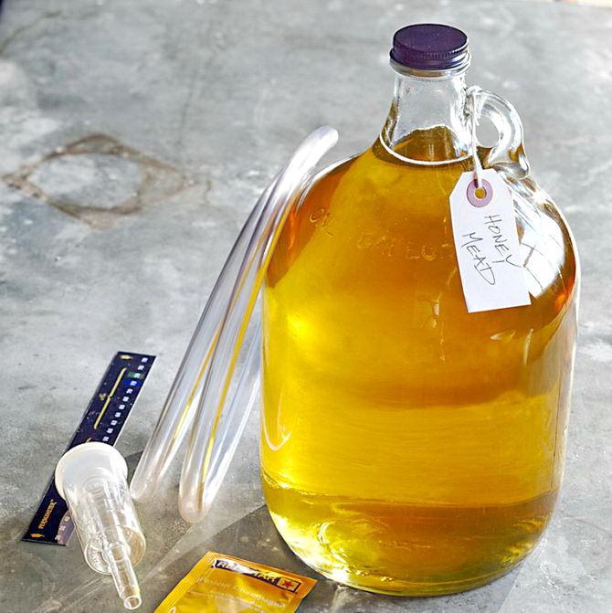 Как приготовить брагу из меда в домашних условиях