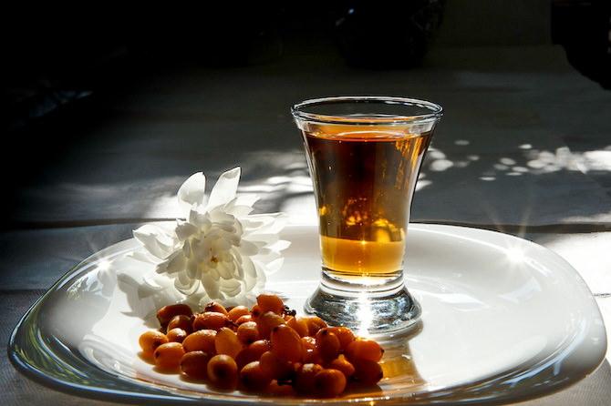 Водка с медом и облепихой