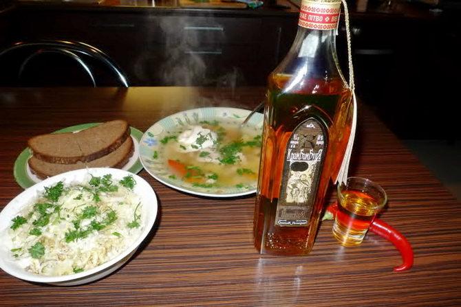 belorusskij-napitok-krambambulya