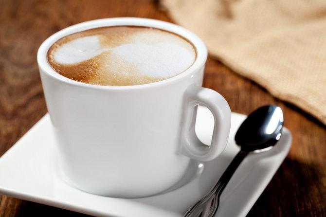 kofe-s-molokom-i-myodom