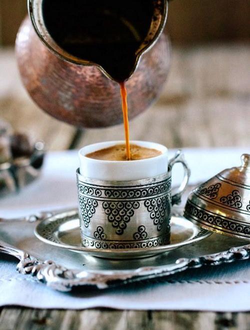 kofe-s-myodom-i-chesnokom